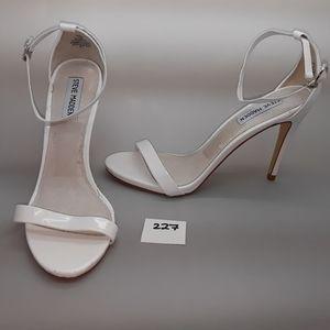 "Steve Madden ""Stecy"" White Patent Sandal Size 9.5"